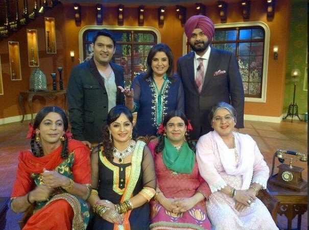 Farah Khan with the CNWK Sast (Farah Khan Twitter)