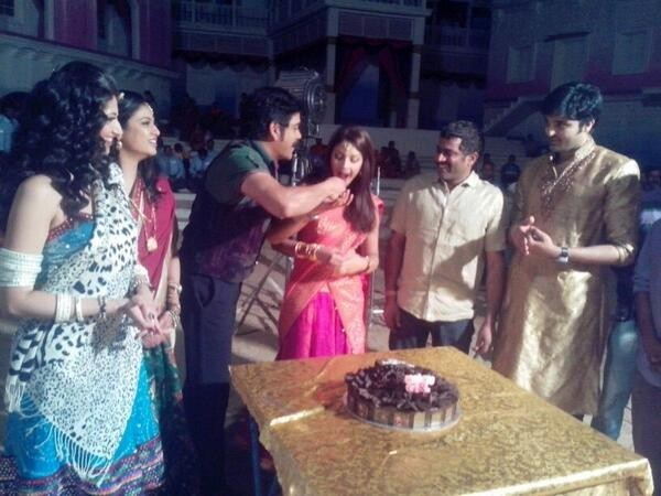 "Richa celebrating birthday with ""Bhai"" team (Richa Gangopadhyay/Twitter)"