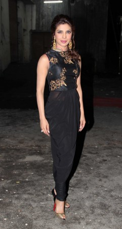 Priyanka Chopra goes ethnic (photo Varinder Chawla)