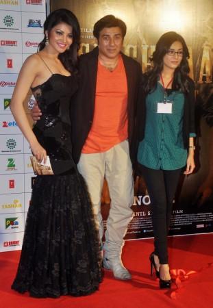 Sunny Deol, Urvashi Rautela, Amrita Rao