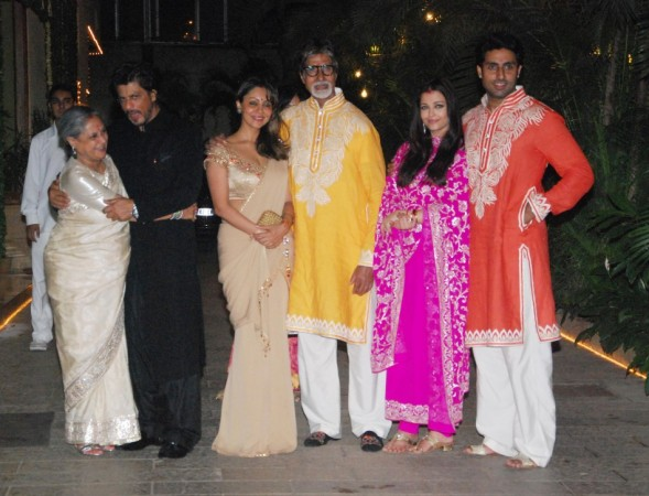 The Big picture: Khans and Bachchans Pose Together Varinder Chawla)