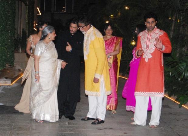 Shah Rukh with the Bachchans (Varinder Chawla)