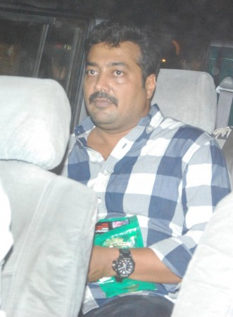 Anurag Kashyap arrives with gift in hand (Varinder Chawla)