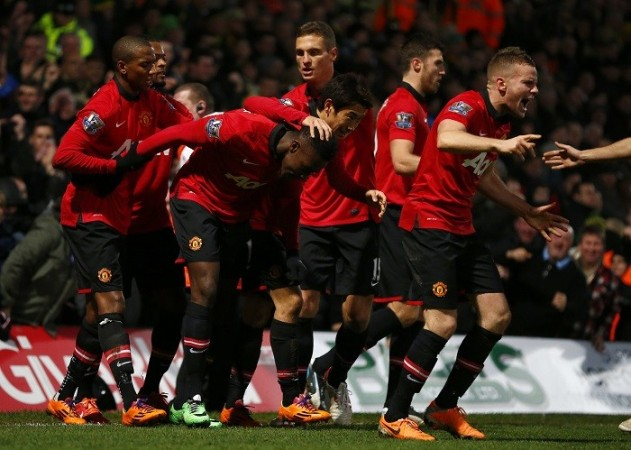 Welbeck Manchester united Vidic Young Cleverley