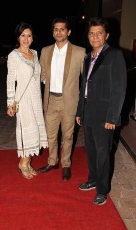 Karanvir Bohra seen with wife Teejay (Varinder Chawla)