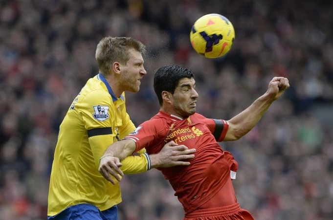 Suarez Liverpool Mertesacker Arsenal