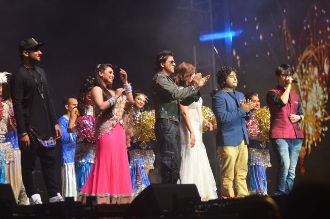 Yo Yo Honey Singh, Rani Mukerji, SRK, Madhuri Dixit-Nene, Arijit Singh & Miyang Chang thank the audience for their love and support for Temptation Reloaded 2014 Malaysia (Varinder Chawla)