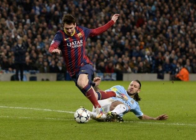 Lionel Messi Barcelona Martin Demichelis Machester City