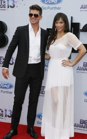 Robin Thicke with Actress wife Paula Patton/Reuters File