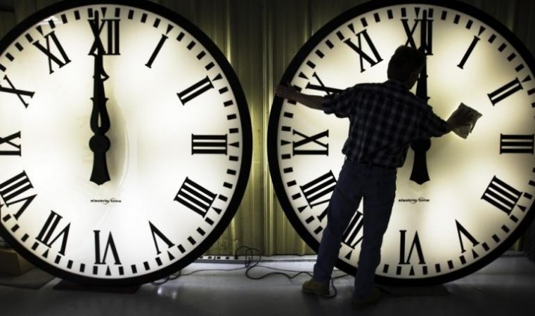 The much desired Daylight saving time 2014 starts in the US on Sunday.