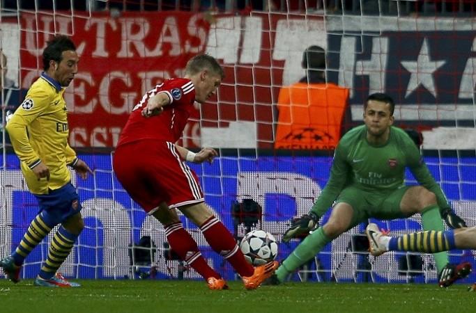 Cazorla Fabianski Schweinsteiger Arsenal Bayern Munich
