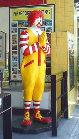 Taco Bell's Breakfast: The Mexican food chain's biggest campaign makes use of 25 people with its Mascot's name, Ronald McDonald in its ads. (Photo: Wiki Commons)