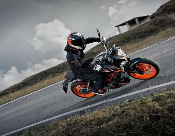 KTM RC390 Spied Testing in India
