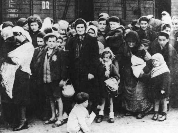Yom HaShoah / Holocaust Remembrance Day 2014: This picture shows German Nazi death camp Auschwitz in Poland, arrival of Hungarian Jews, Summer 1944. (Photo Credit: Wikimedia Commons)