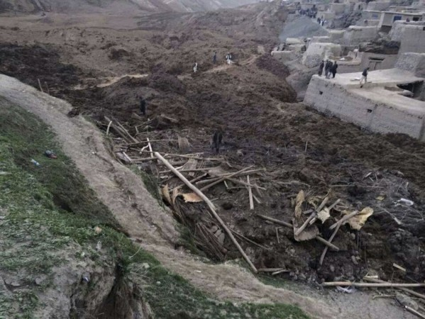 Afghanistan landslide has left 2100 dead and 4000 displaced. (Photo: Reuters)