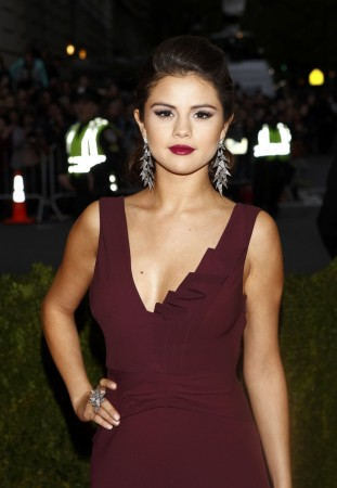 Selena Gomez Arrives at the Metropolitan Museum of Art Costume Institute Gala Benefit in New York