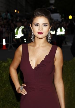 Selena Gomez Arrives at the Metropolitan Museum of Art Costume Institute Gala Benefit in New York
