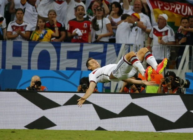 Miroslav Klose somersault