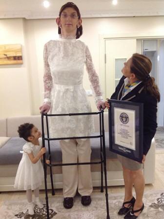 Rumeysa Gelgi,17, is World's Tallest Teenager (female)