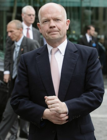 United Kingdom's William Hague has quit as foreign secretary and has decided to stay in the cabinet as Leader of the Commons.