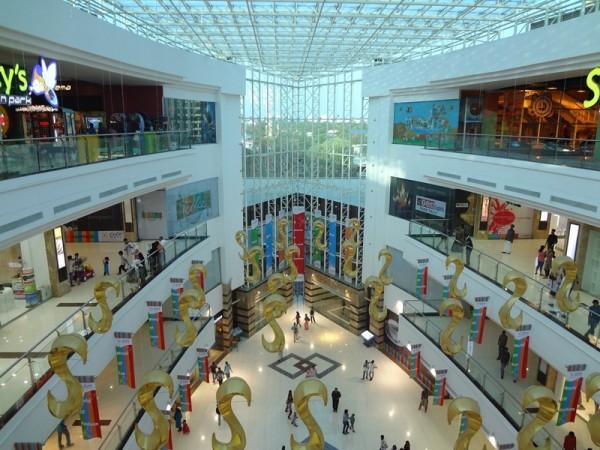 Lulu Mall.