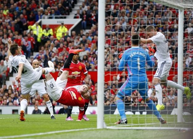 Wayne Rooney Manchester United Swansea City Fabianski