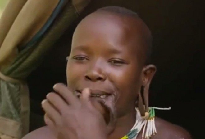 Woman with World's Largest Lip Disc, Ancient Way to Attract Husband