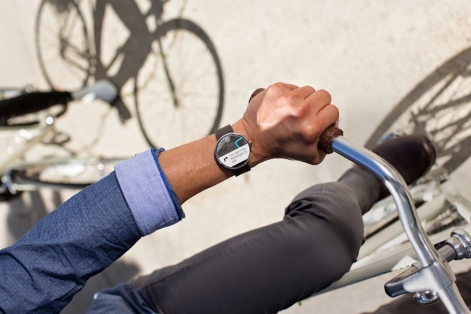 Moto 360: Motorola Smartwatch Gets Android 5.0.1 Lollipop; New Watch Faces, UI Changes And More