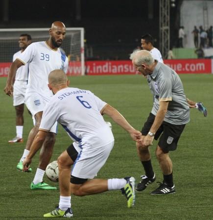 Nicolas Anelka Mumbai City FC Peter Reid