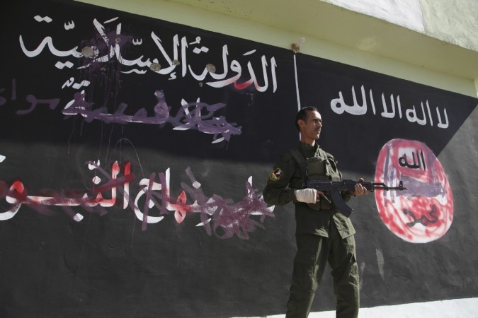 ISIS, Sunni Islamic hardliner jihadists lined up 30 other Sunni men in a town west of Baghdad and shot them dead.