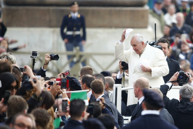 Pope Francis builds showers for the homeless at the Vatican