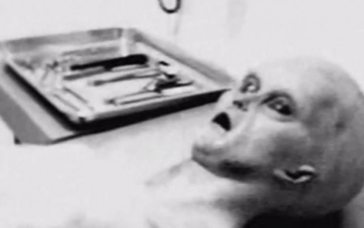 On the latest UFO sightings news, a scientist has released a photo dated 1947 of 'real alien autopsy' from Area 51.
