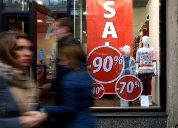 Black Friday 2014 Shopper's Guide; Find The Working Hours For The Stores Around You