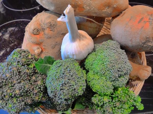 broccoli, garlic