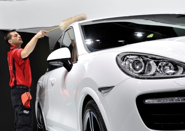 2015 Porsche Cayenne Price, Specs, Release; Hits Indian Roads In Four Variants, Starts At Rs. 1.02cr