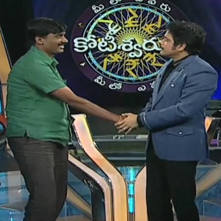 Meelo Evaru Koteeswarudu 2 - Episode 1: Kurnool DSP Srinivasulu Wins 12.50 Lakh: Will He Walk away with ₹1 cr?
