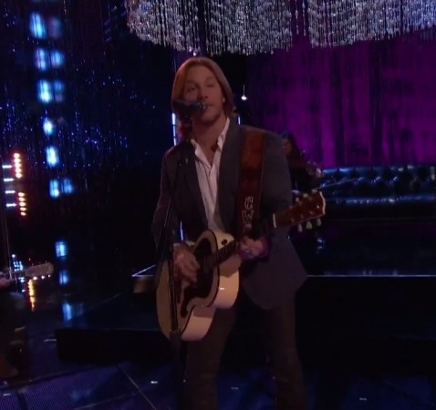 """Craig Wayne Boyd performs """"My Baby's Got a Smile on Her Face"""" on """"The Voice"""" Finale"""