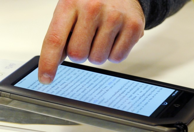 E-Reading During Bedtime Can Leave You Sleepless