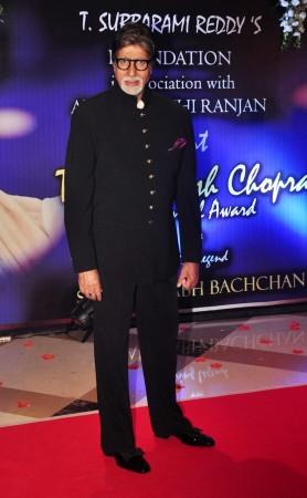 Megastar Amitabh Bachchan Honoured with Yash Chopra Memorial Award 2014
