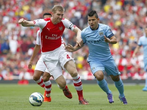Arsenal Per Mertesacker Manchester City Sergio Aguero