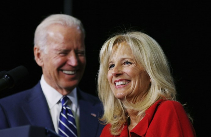 Shots were fired from a moving vehicle near US Vice-President Joe Biden's house in Delaware.