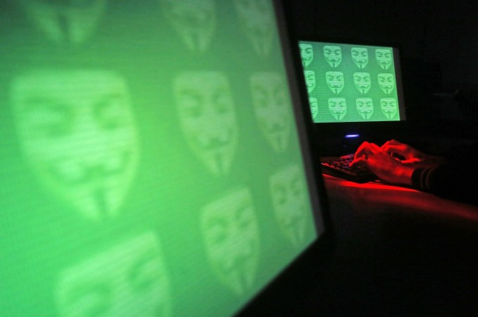 Hackers honey trap Syrian soldiers.