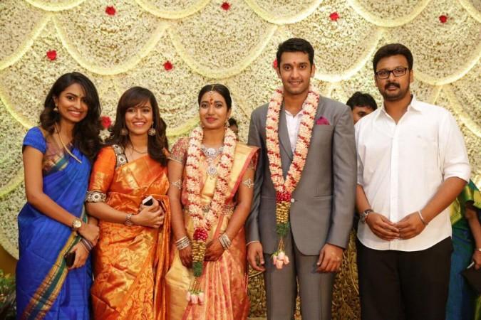 Actor Arulnithi Gets Engaged to Keerthana