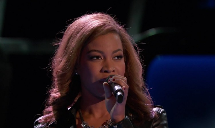 """India Carney performs """"New York State of Mind"""" on """"The Voice"""""""
