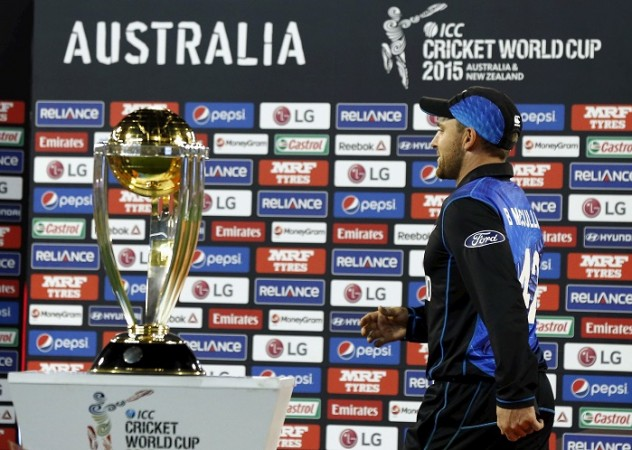 Brendon McCullum New Zealand ICC Cricket World Cup 2015 Trophy
