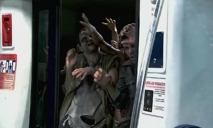 Subway Zombie Prank by Silvio Santos Program