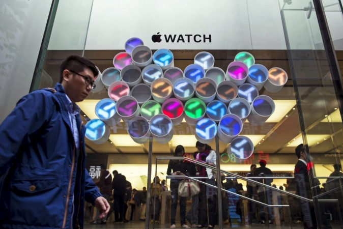 Shoppers flock to try on the Apple Watch