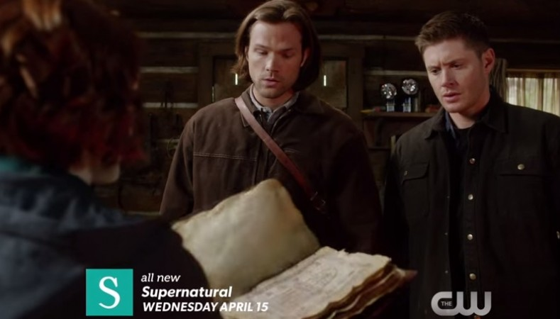 Charlie shows 'Book of the Damned' to Sam and Dean
