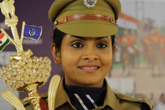 Parasparam Serial Actress Gayathri Arun