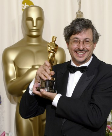 Andrew Lesnie with his Oscar